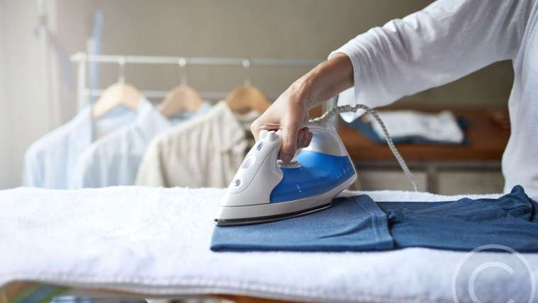 7 Signs You Might Need a Housekeeper